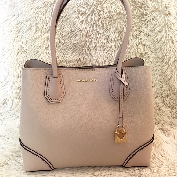 a9769b6eedd1 Michael Kors Mercer Gallery Medium Leather Satchel
